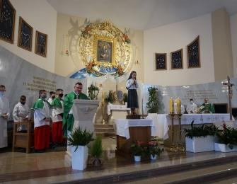 Poświęcenie figury św. Hiacynty patronki dzieci